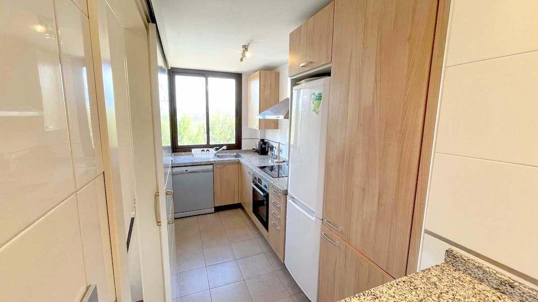 1028-Kitchen.jpg