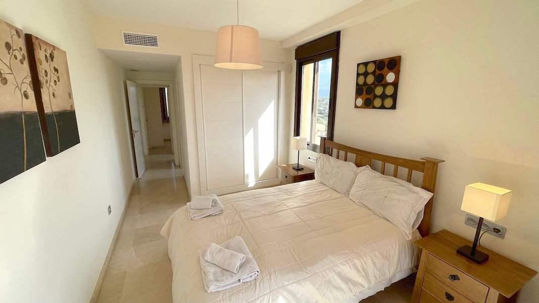 1028-Master_bedroom2.jpg