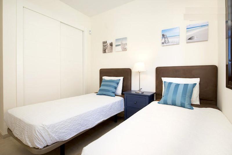 BLQ6-Bedroom_2b.jpg