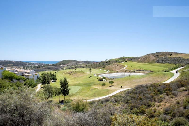 BLQ6-Golf.jpg