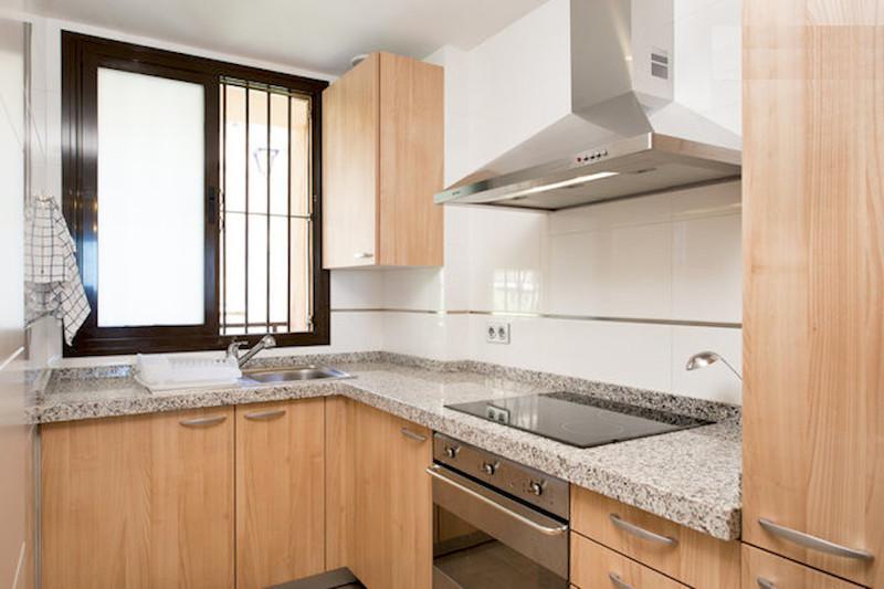 BLQ6-Kitchen.jpg
