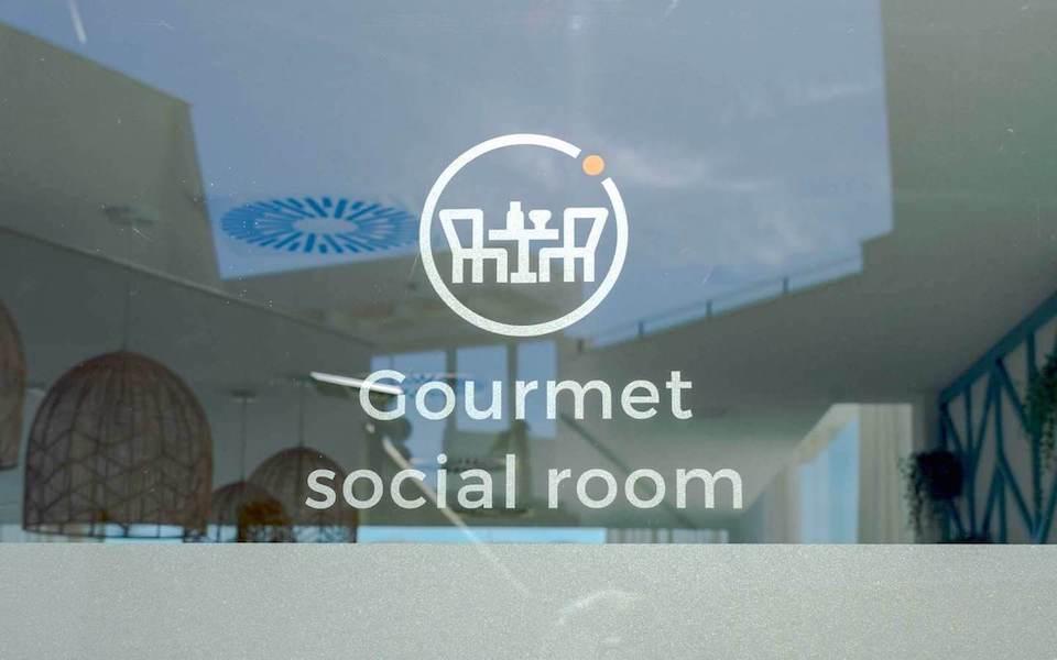 CBB22A-Social_club3.jpg