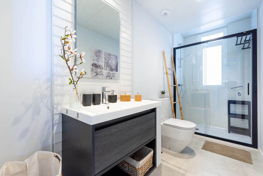 CBC11B-Bathroom.jpg