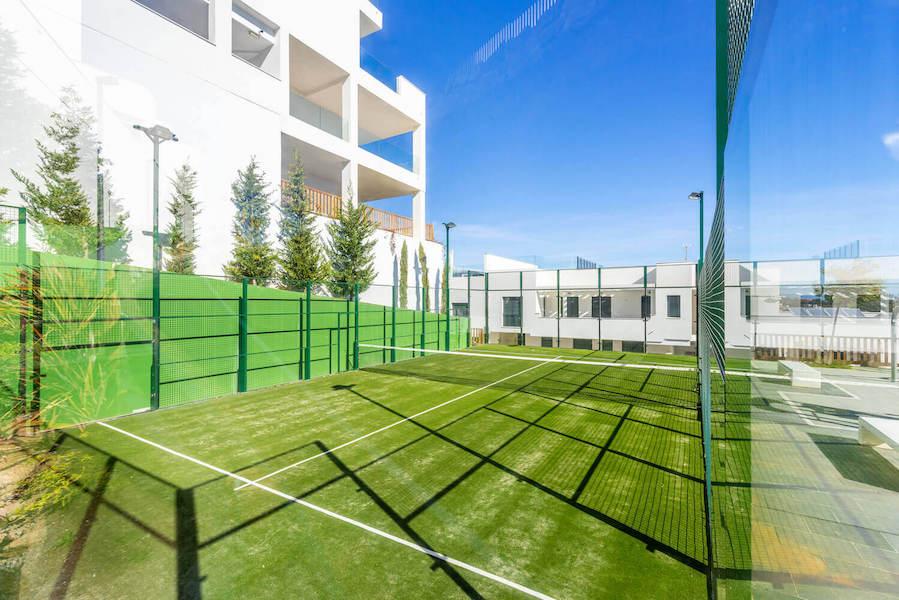 CBC11B-Paddle_tennis.jpg