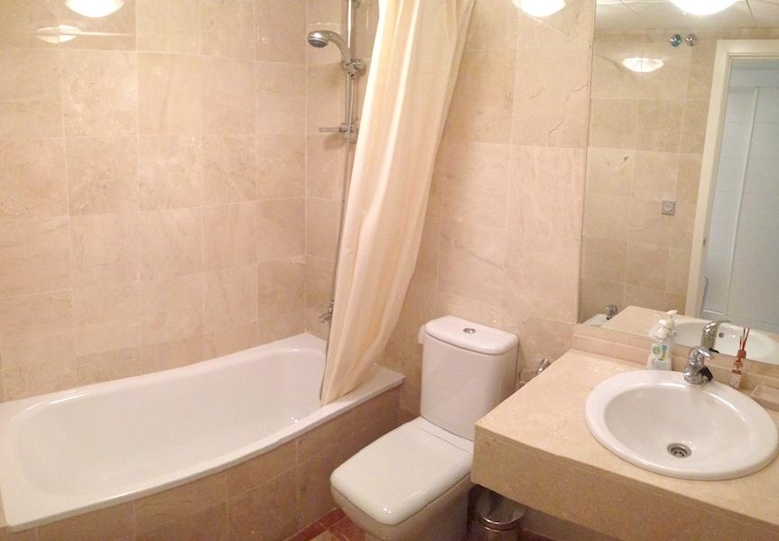 CSG8-Bathroom.jpg