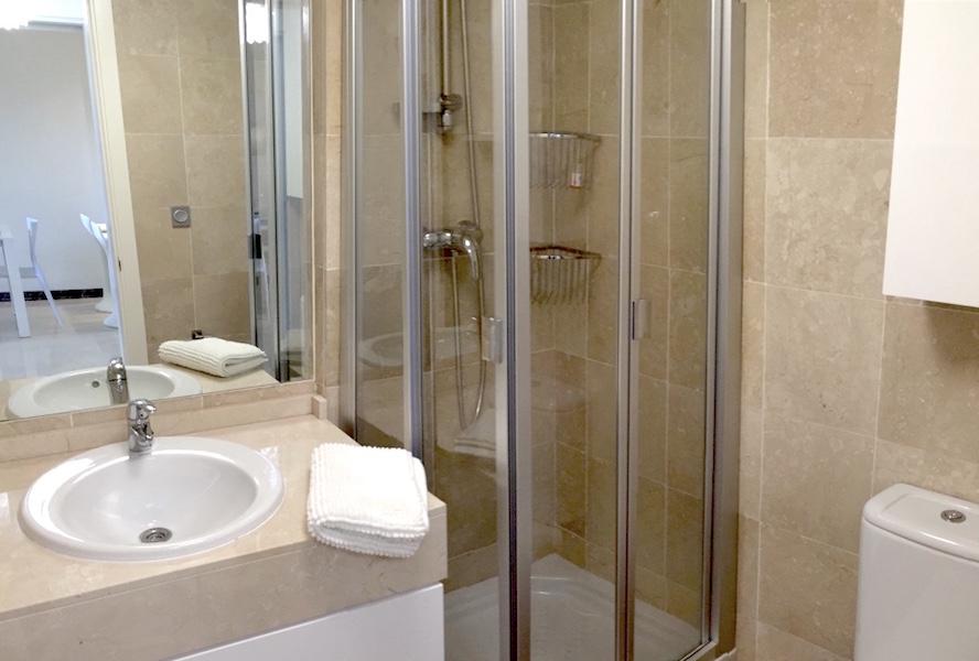 CSG9-Bathroom.jpg