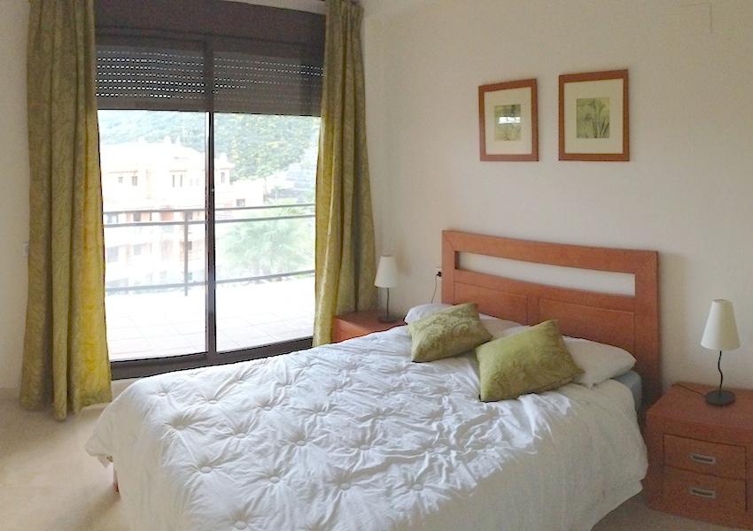 CSGblq7-master_bedroom.jpg
