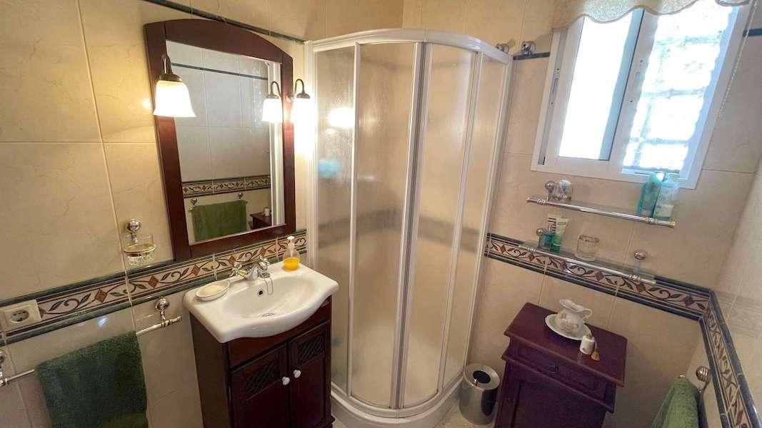 CalahondaVilla-Bathroom_2.jpeg