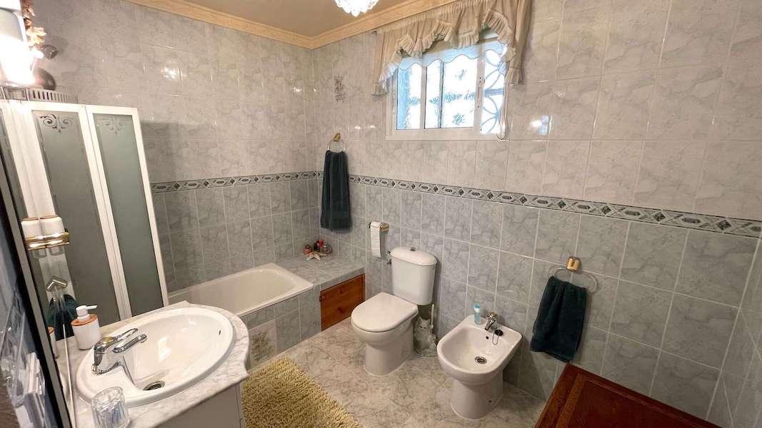 CalahondaVilla-Bathroom_3.jpeg