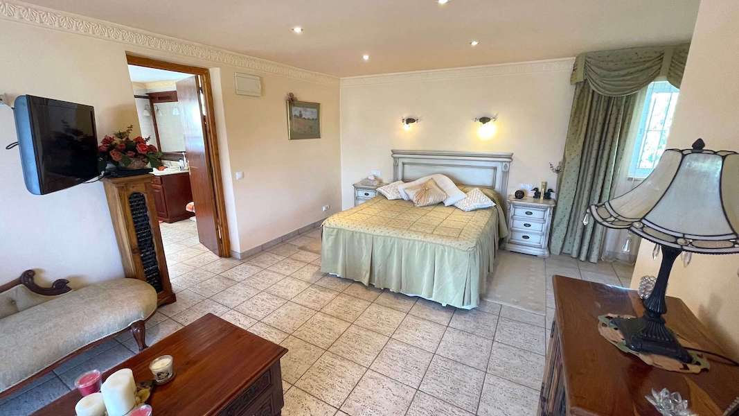 CalahondaVilla-Bedroom4.jpeg