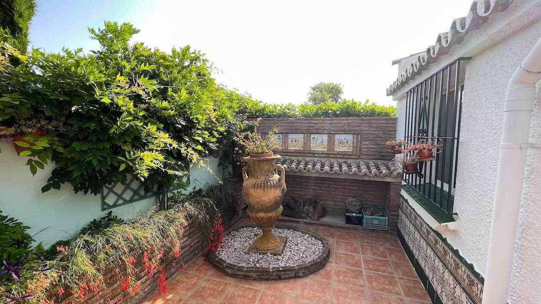 CalahondaVilla-Garden8.jpeg