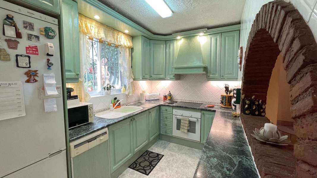 CalahondaVilla-Kitchen.jpeg