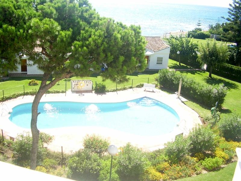 Calahonda_Playa-Pool.jpg