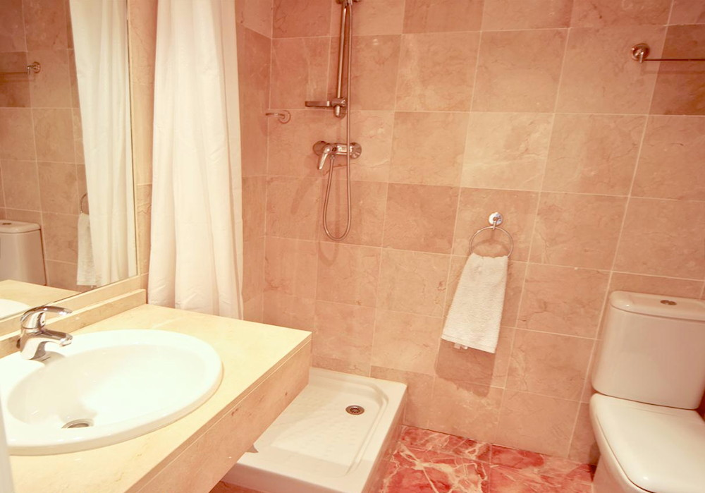 Calanova-Sea-Golf-Penthouse-Bathroom.jpg