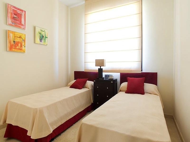 CalanovaSeaGolfbedroom2.jpg