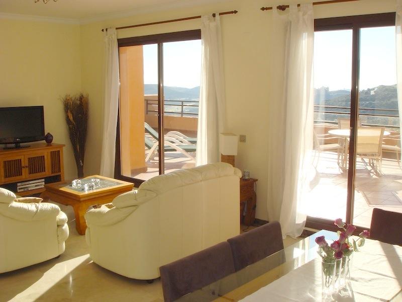 Calanova_Sea_Golf_Penthouse-Lounge_Diner.jpg