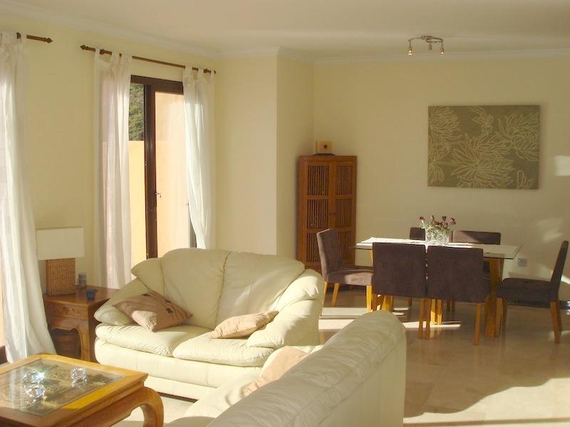 Calanova_Sea_Golf_Penthouse-Lounge_Diner2.jpg