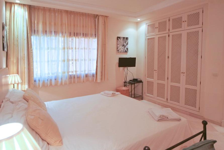 Don_Carlos-master_bedroom.jpg