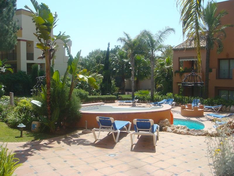 Don_Carlos-pool3.jpg
