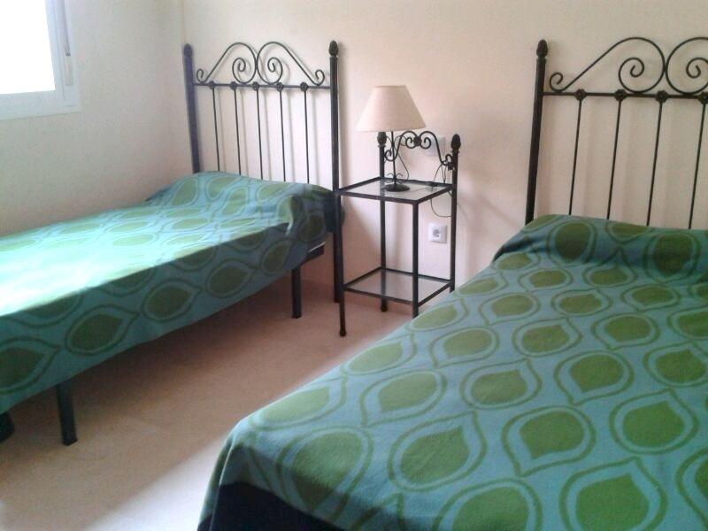 Elviria-Bedroom_2.jpg