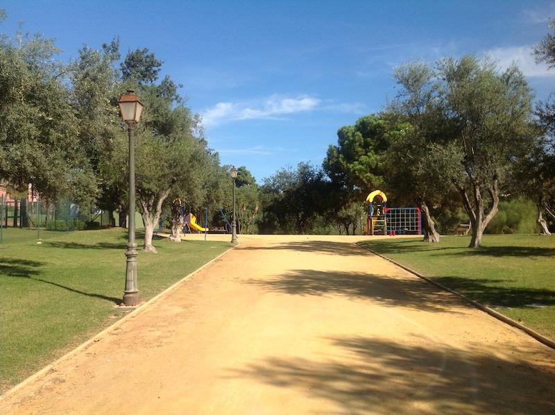 Elviria_house-Communal_gardens.jpg