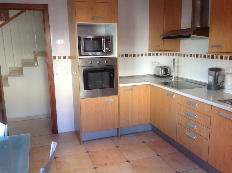 Elviria_house-Kitchen2.jpg