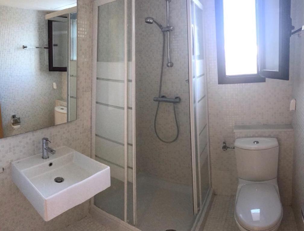 HCG5A-Shower.jpg