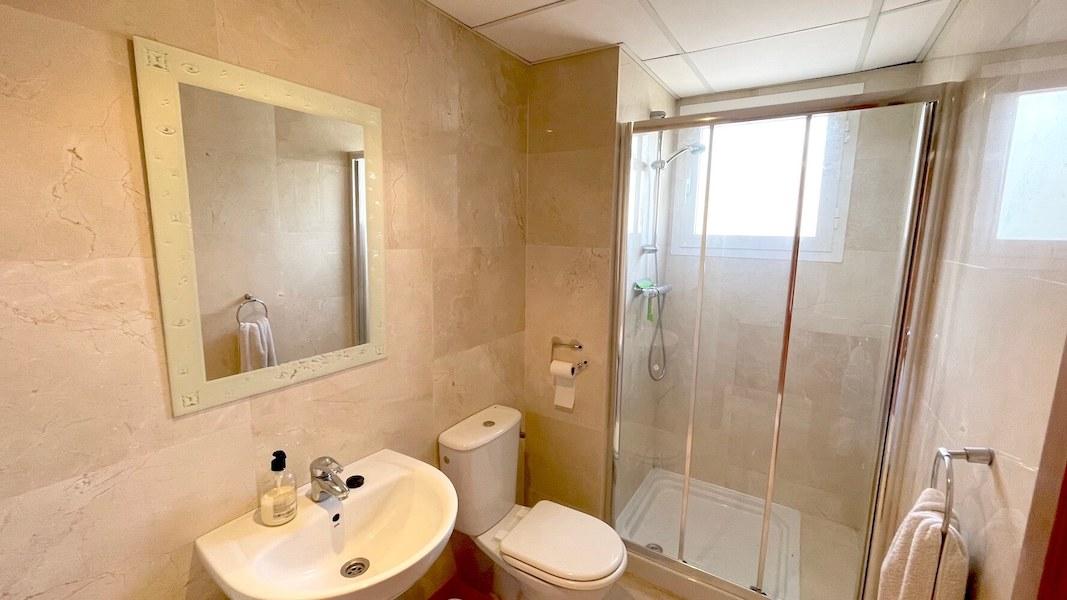HSM413B-Bathroom.jpeg