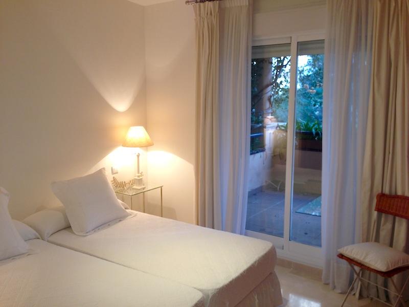 HSM4_master_bedroom.jpg