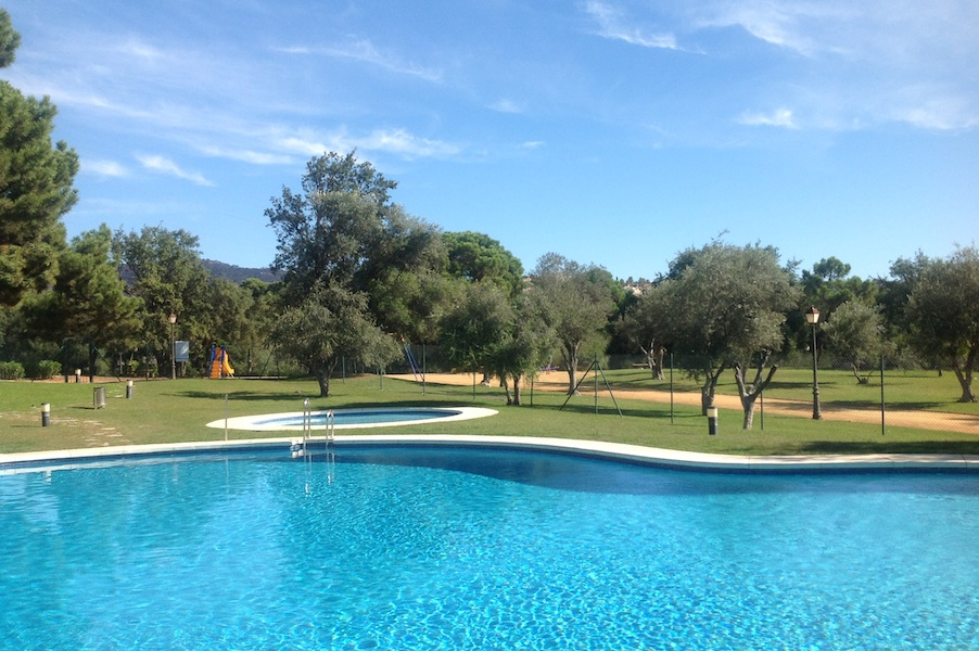 HSM_Elviria-Pool.jpg