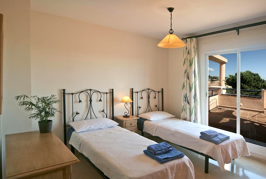 HSM_second_bedroom.jpg