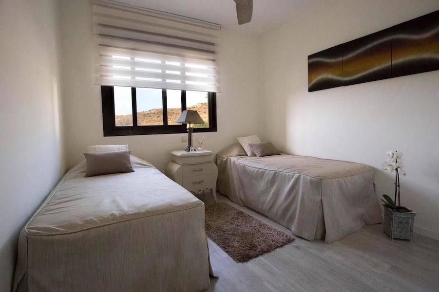 LC1075-Bedroom_2.jpg