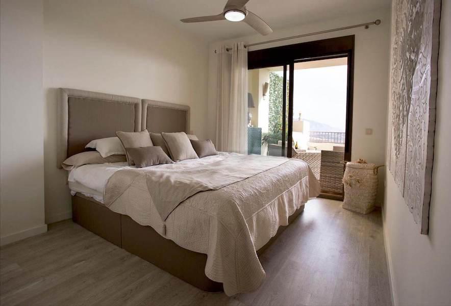LC1075-Master_bedroom.jpg