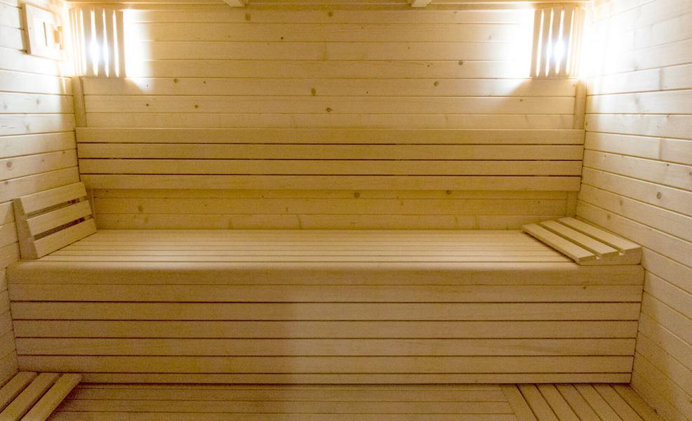 LC1075-Sauna.jpg