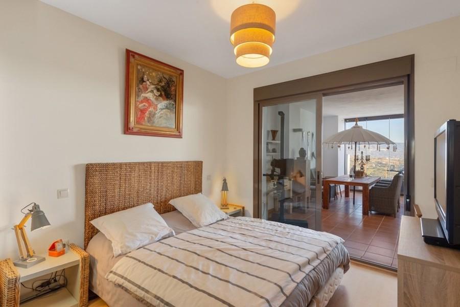 LC1395-Master_bedroom.jpg