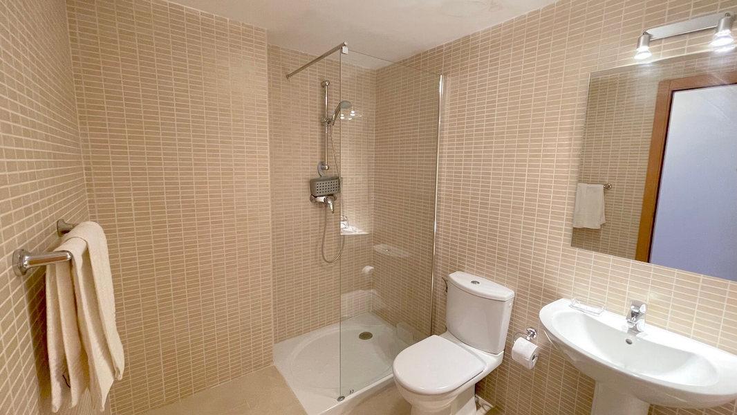 LC14102-Bathroom.jpg
