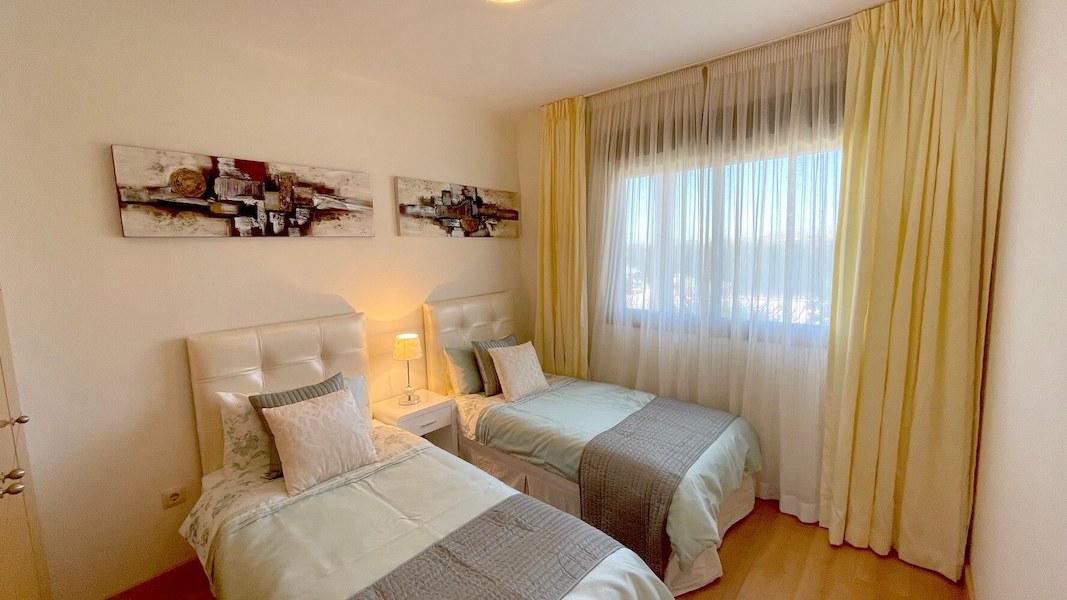 LC14102-Bedroom2.jpg