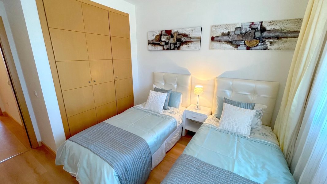 LC14102-Bedroom2b.jpg