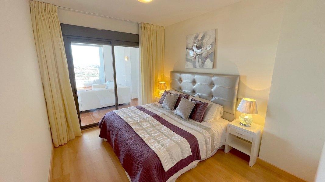 LC14102-Master_bedroom.jpg