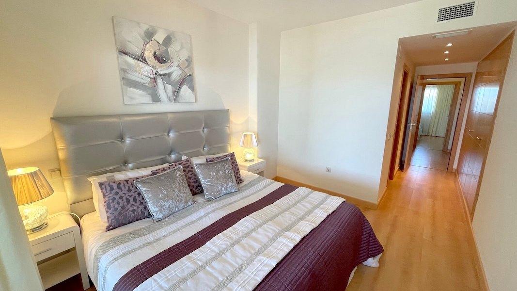 LC14102-Master_bedroom2.jpg