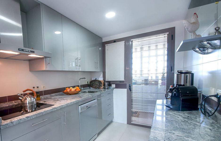 LC14106-Kitchen2.jpg