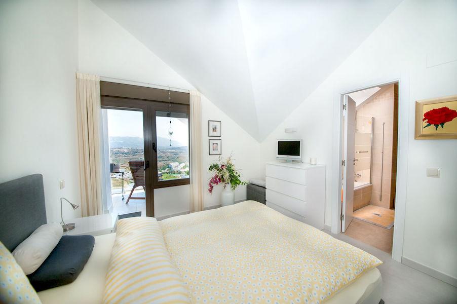LC14106-Master_bedroom.jpg