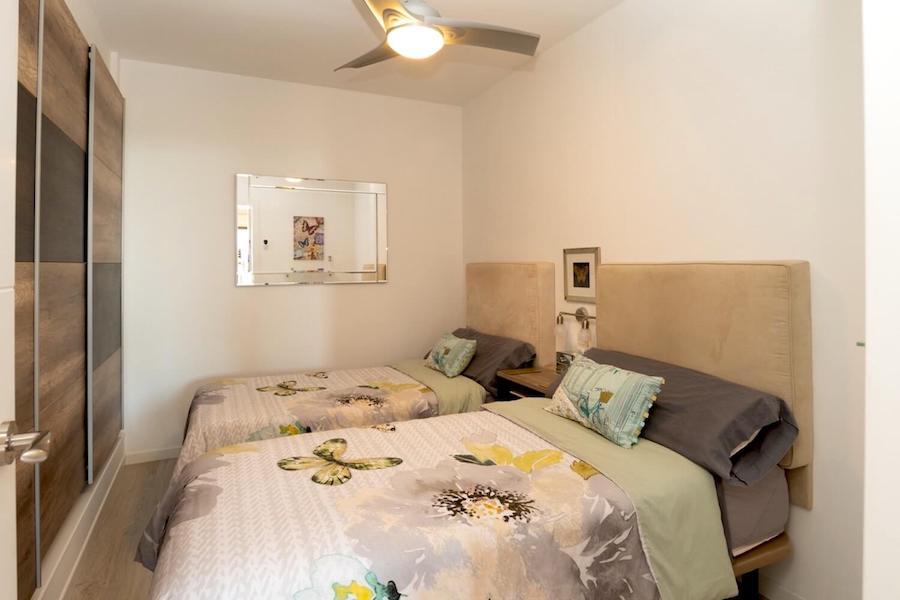LC24178-Bedroom_3.jpg
