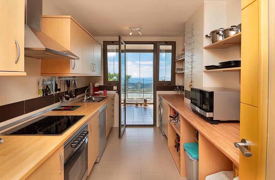 LC24178-Kitchen.jpg