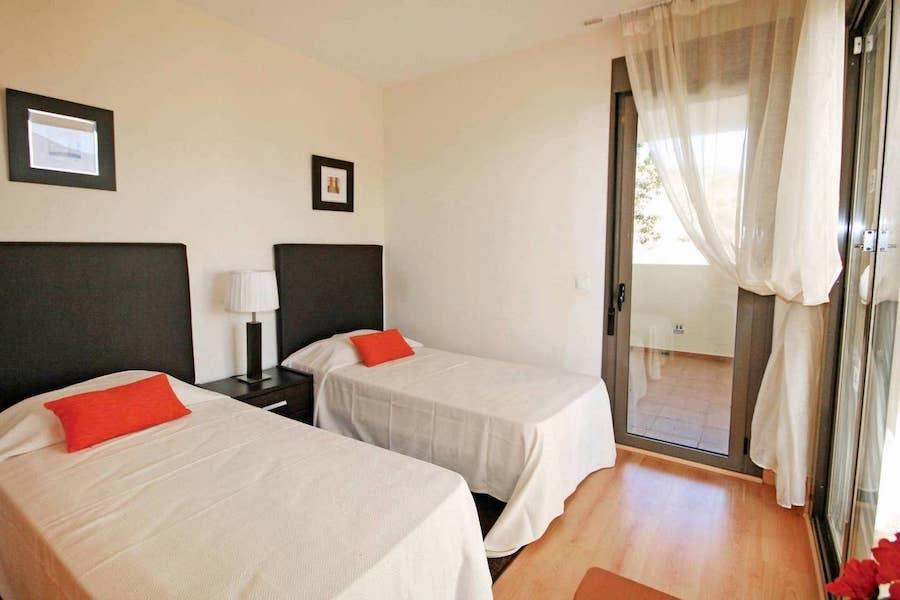LC24179-Bedroom_2.jpg