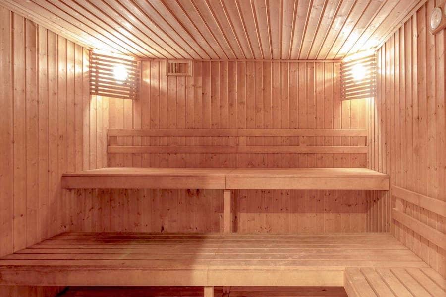 LC24179-Sauna.jpg