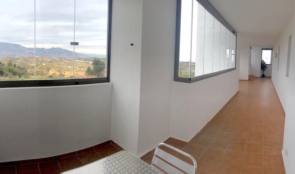 LC24179-Terrace6.jpg