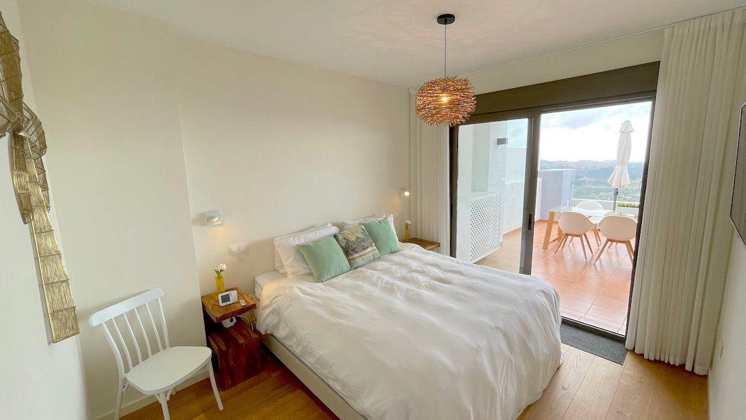 LC537-Master_bedroom.jpg