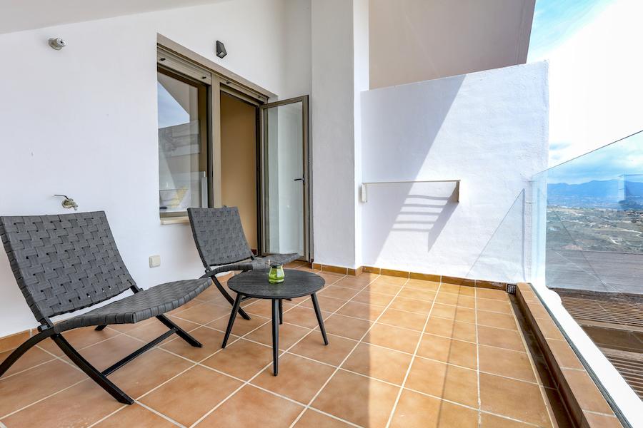 LC_Atico-Bedroom_terrace.jpg