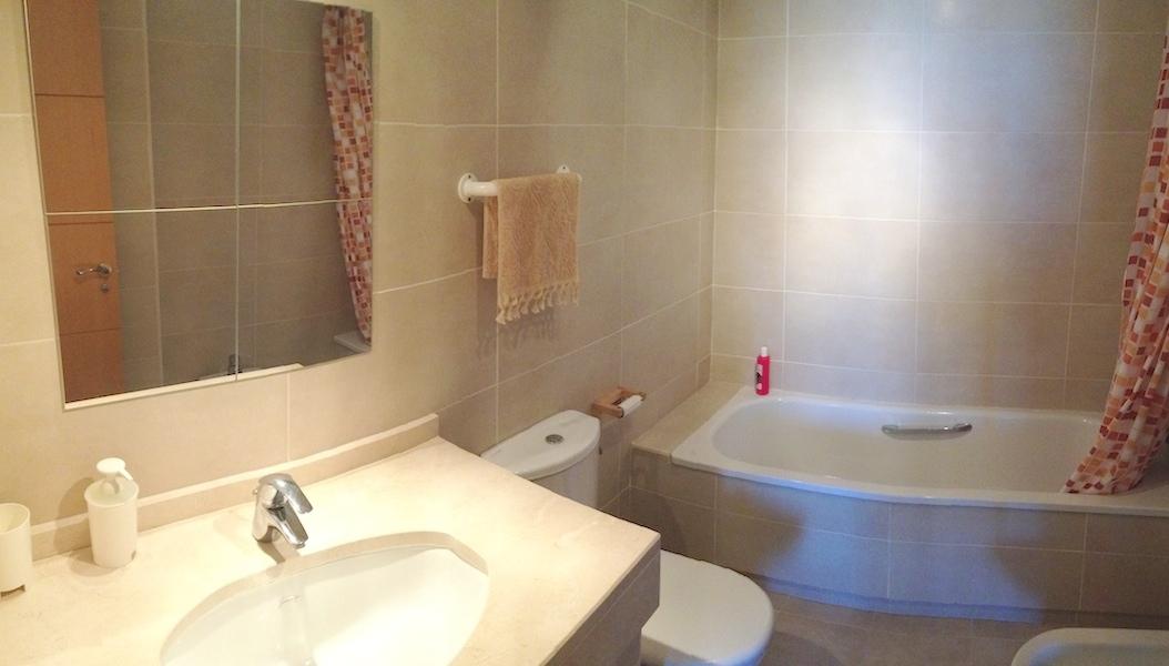 LC_Bathroom.jpg